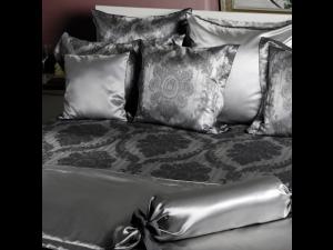 ROYAL Silk Bed linen - Heavy Jacquard silk / 31 momme (mm)